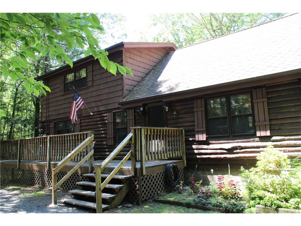 76 Ray Cliff Dr, Accord, NY 12404