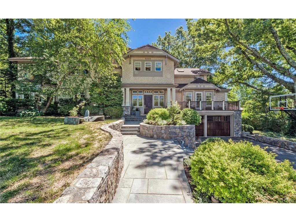 Photo of 72   Briarcliff Road  Larchmont  NY