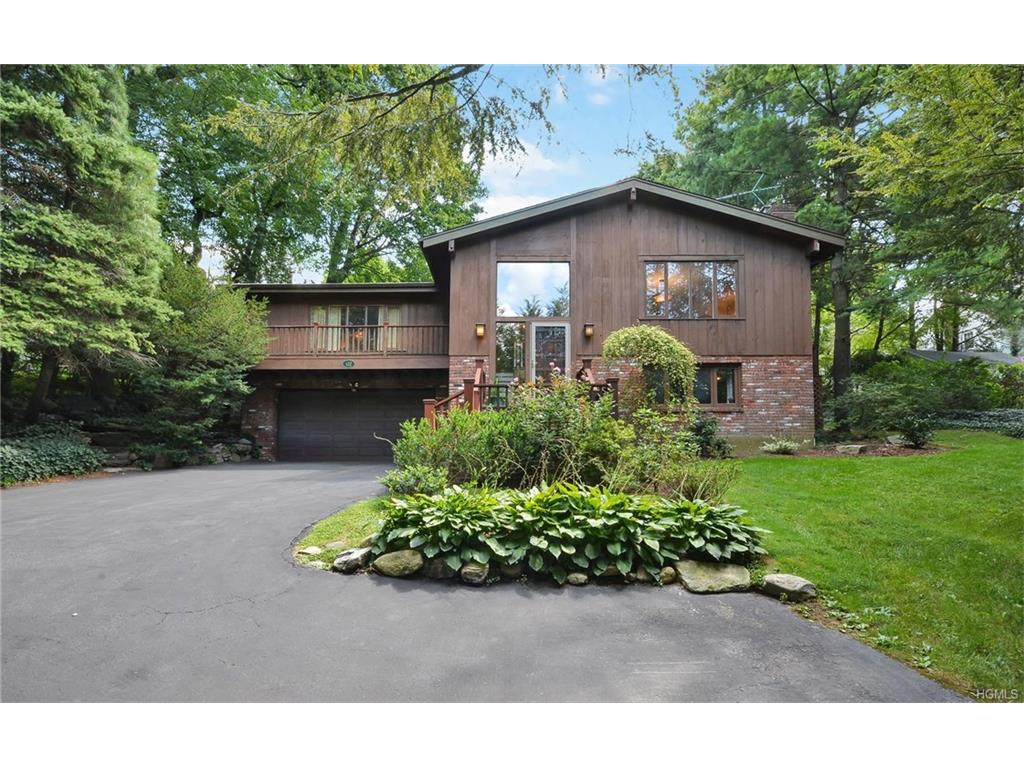 Photo of 122   Potter Road  Scarsdale  NY