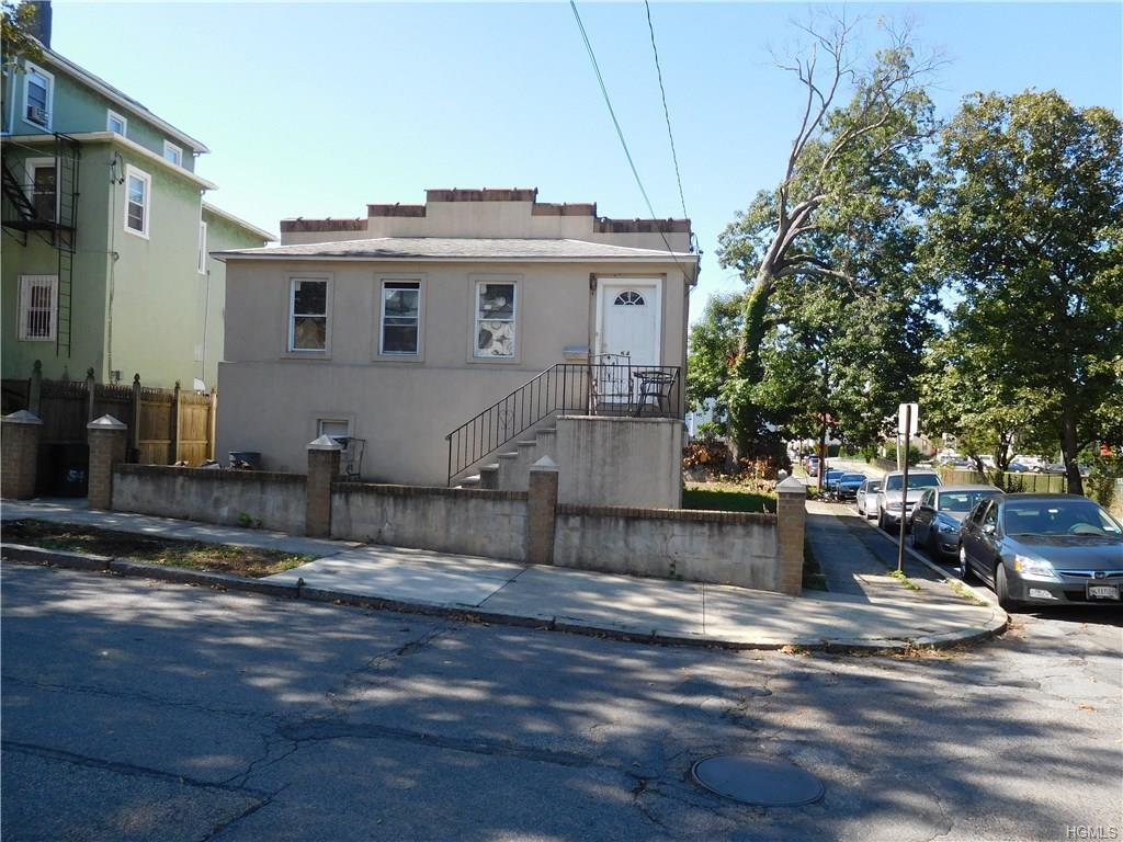 54 Rochelle Ter, Mount Vernon, NY 10550