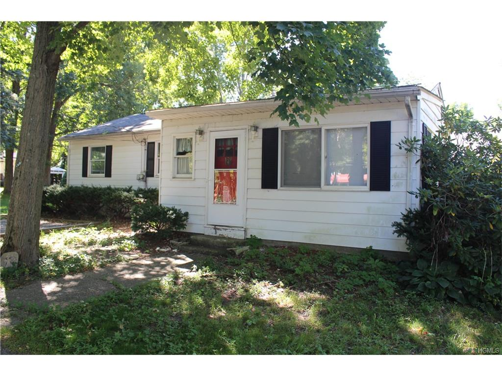 68 Teneyck Ave, Greenwood Lake, NY 10925