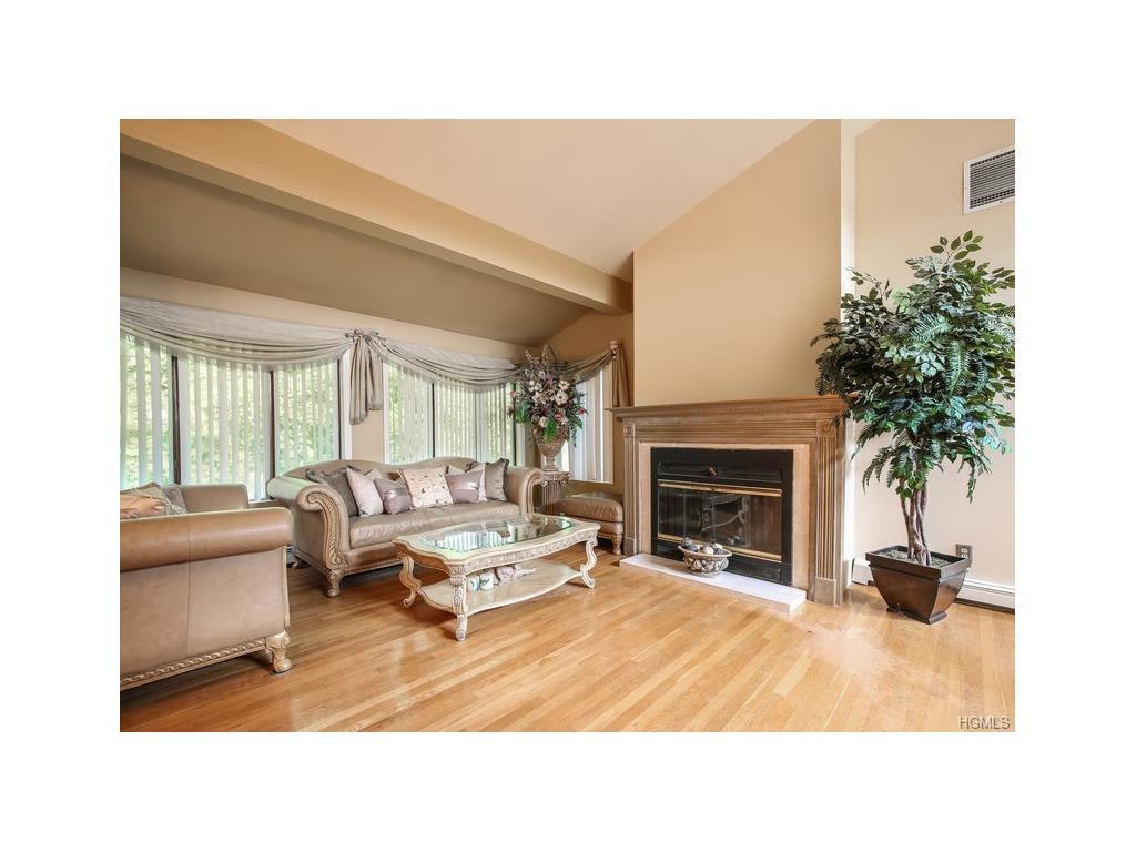 3792 Old Jefferson Valley Rd, Shrub Oak, NY 10588