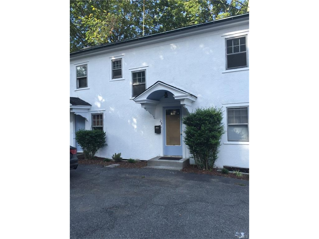 25 Griffin Ave, Bedford Hills, NY 10507