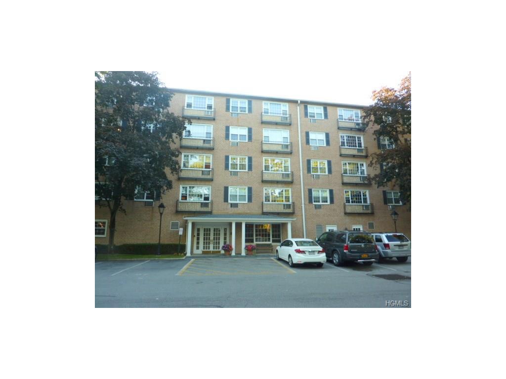 2 Consulate Dr, Tuckahoe, NY 10707