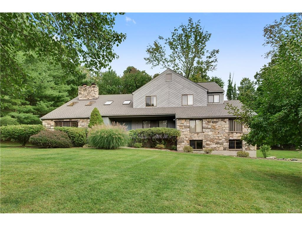Photo of 6   Cherokee Court  Katonah  NY