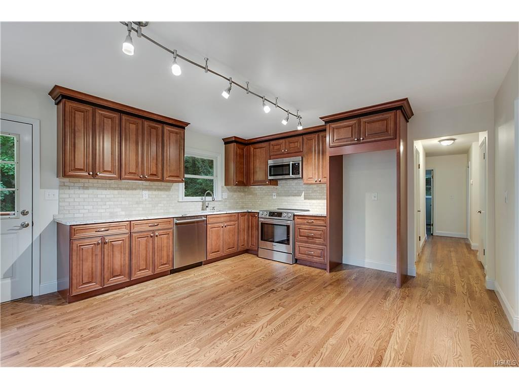 471 Sprout Brook Rd, Garrison, NY 10524