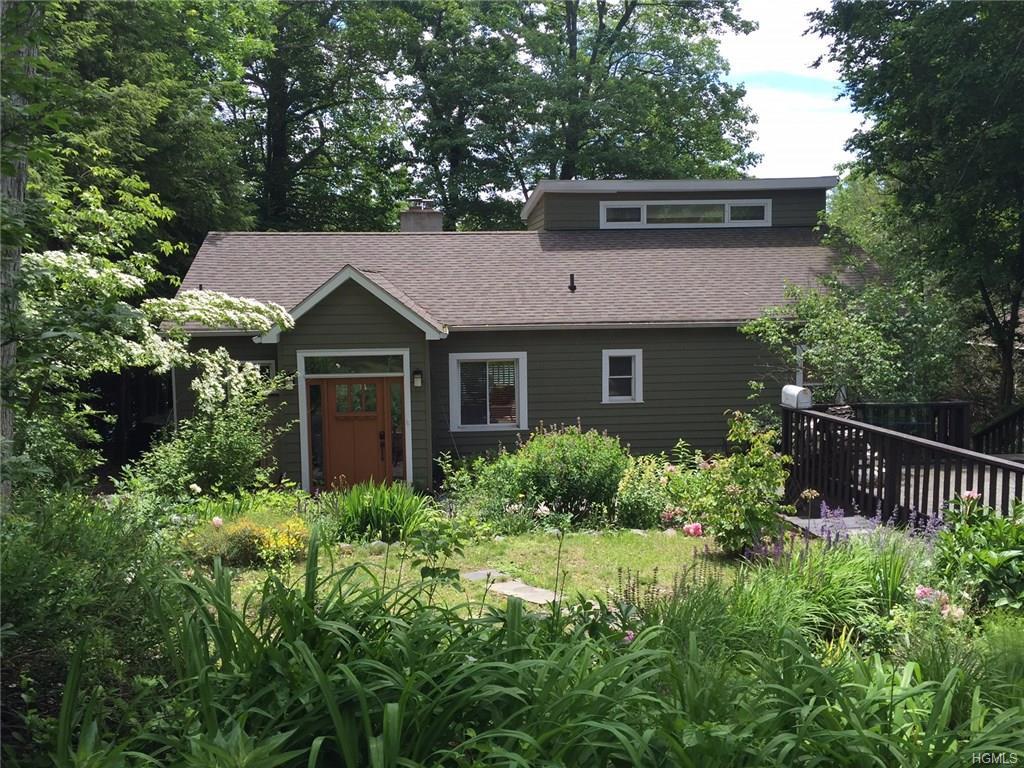 256 Lake Shore Rd, Putnam Valley, NY 10579
