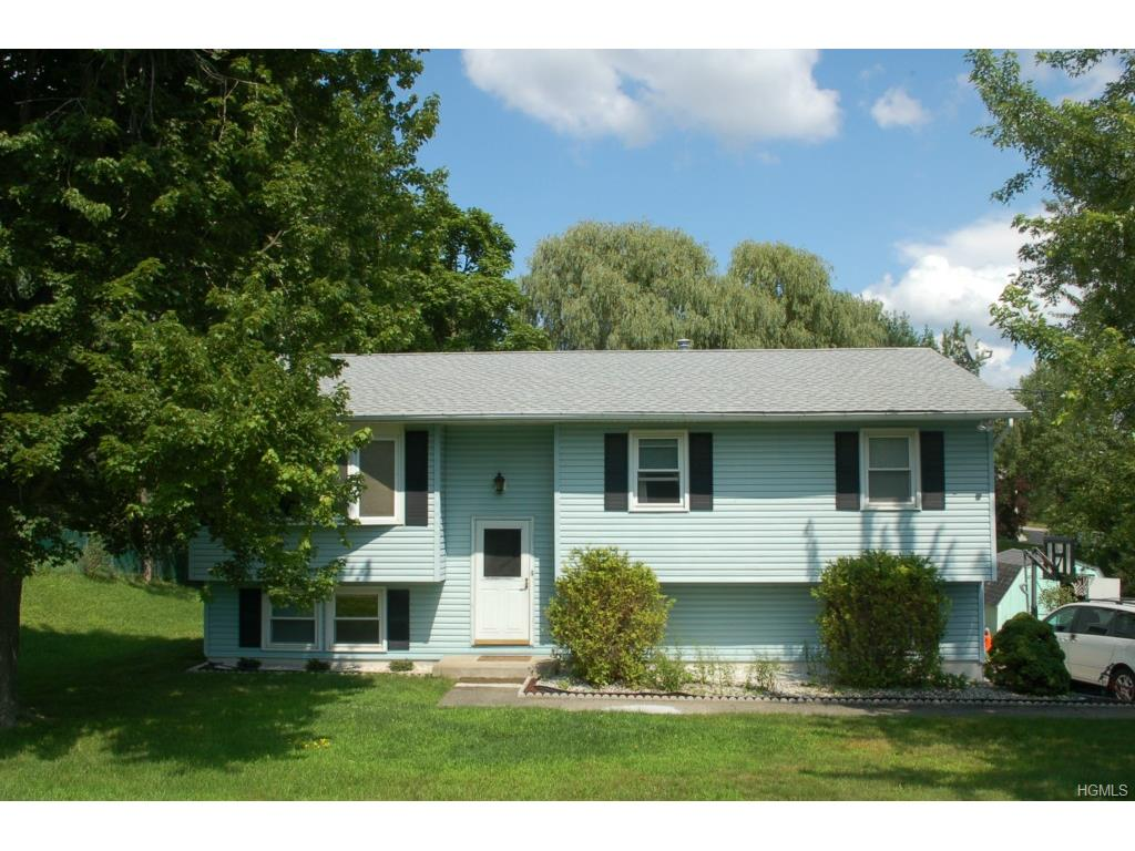 69 Balfour Dr, Wappingers Falls, NY 12590