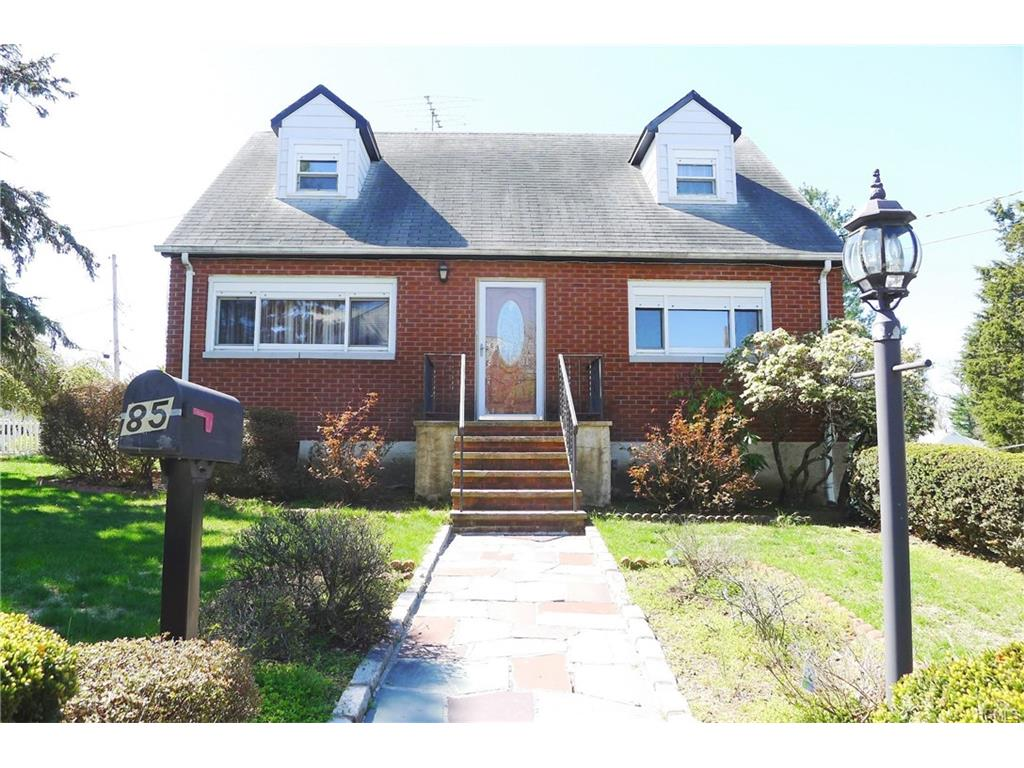 85 Windermere Dr, Yonkers, NY 10710