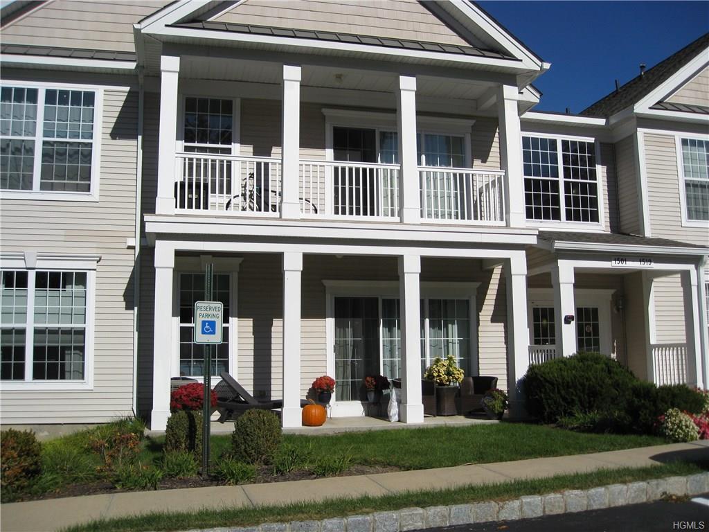1507 Saratoga Ln, Fishkill, NY 12524
