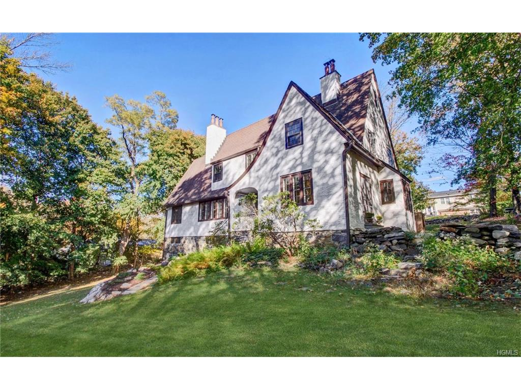 Photo of 98   Washburn Road  Briarcliff Manor  NY