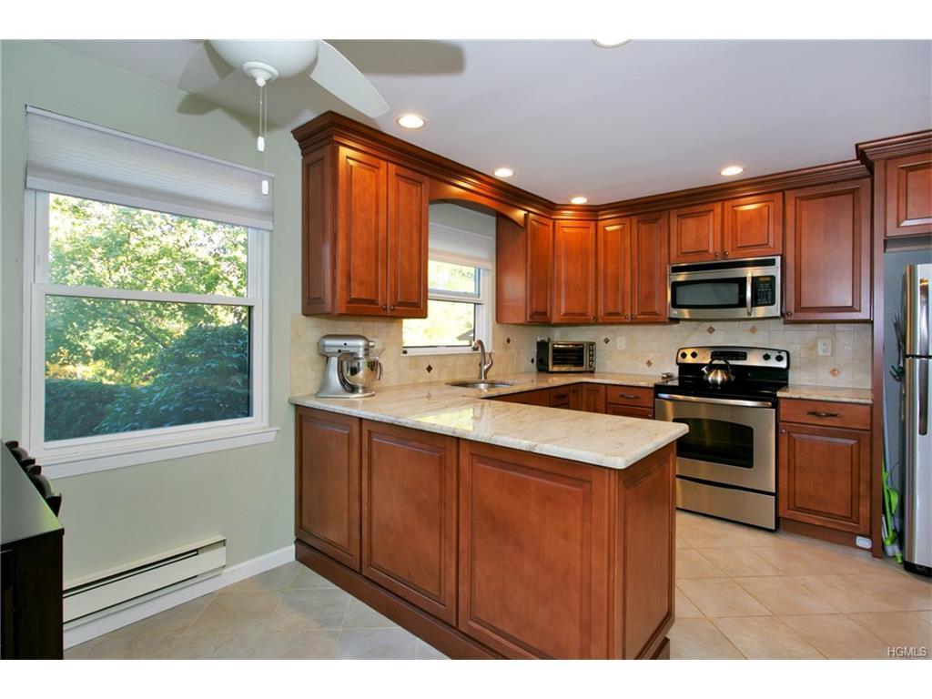 Photo of 635   Sierra Vista Lane  Valley Cottage  NY