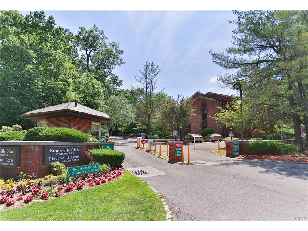 Photo of 10   Bronxville Glen Drive  Bronxville  NY