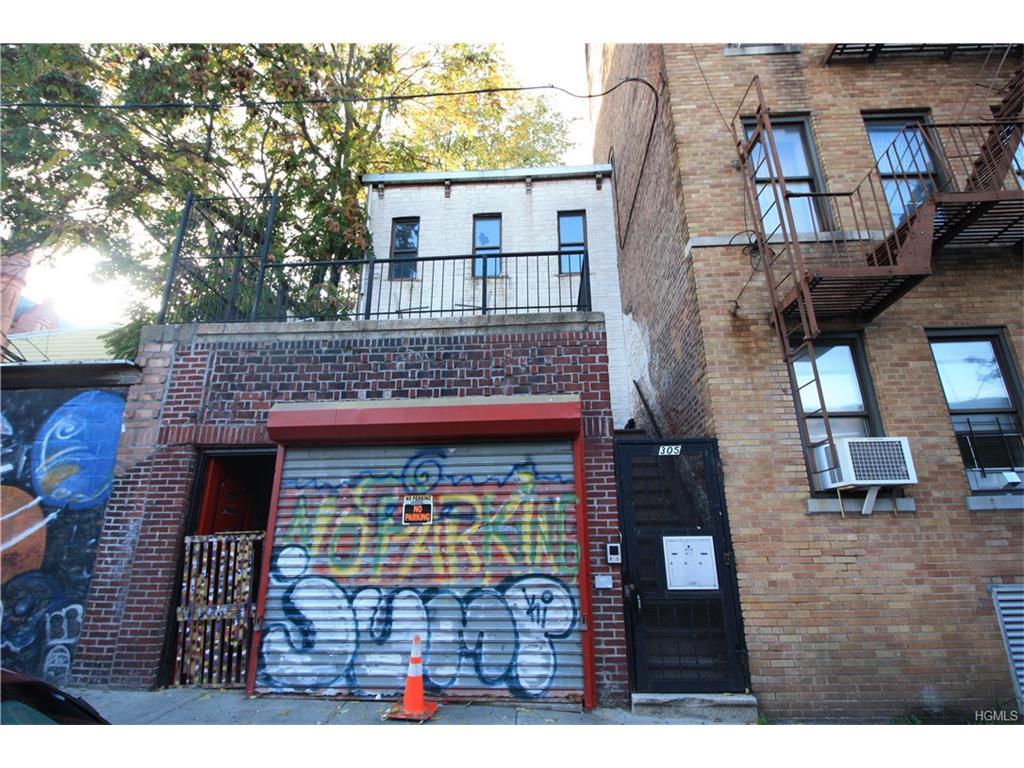 Photo of 2305   Beaumont Avenue  Bronx  NY