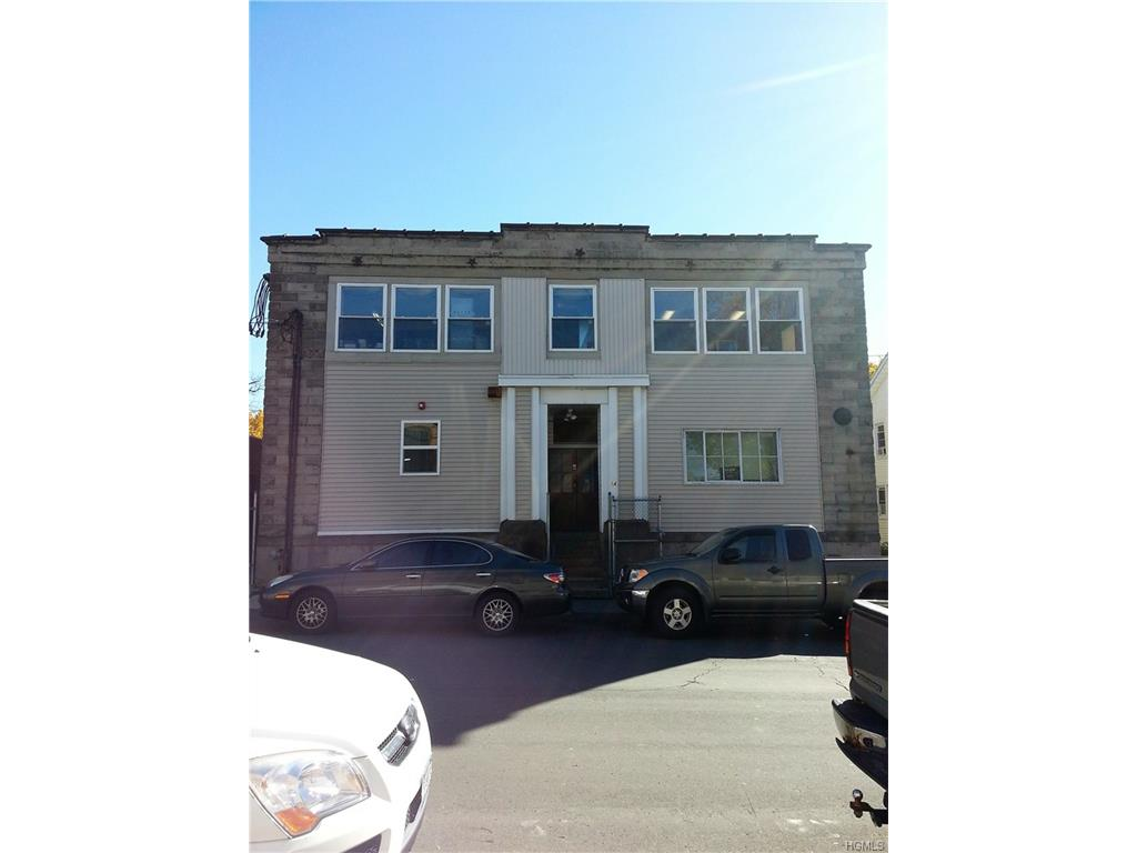 14 Montgomery St, Middletown, NY 10940