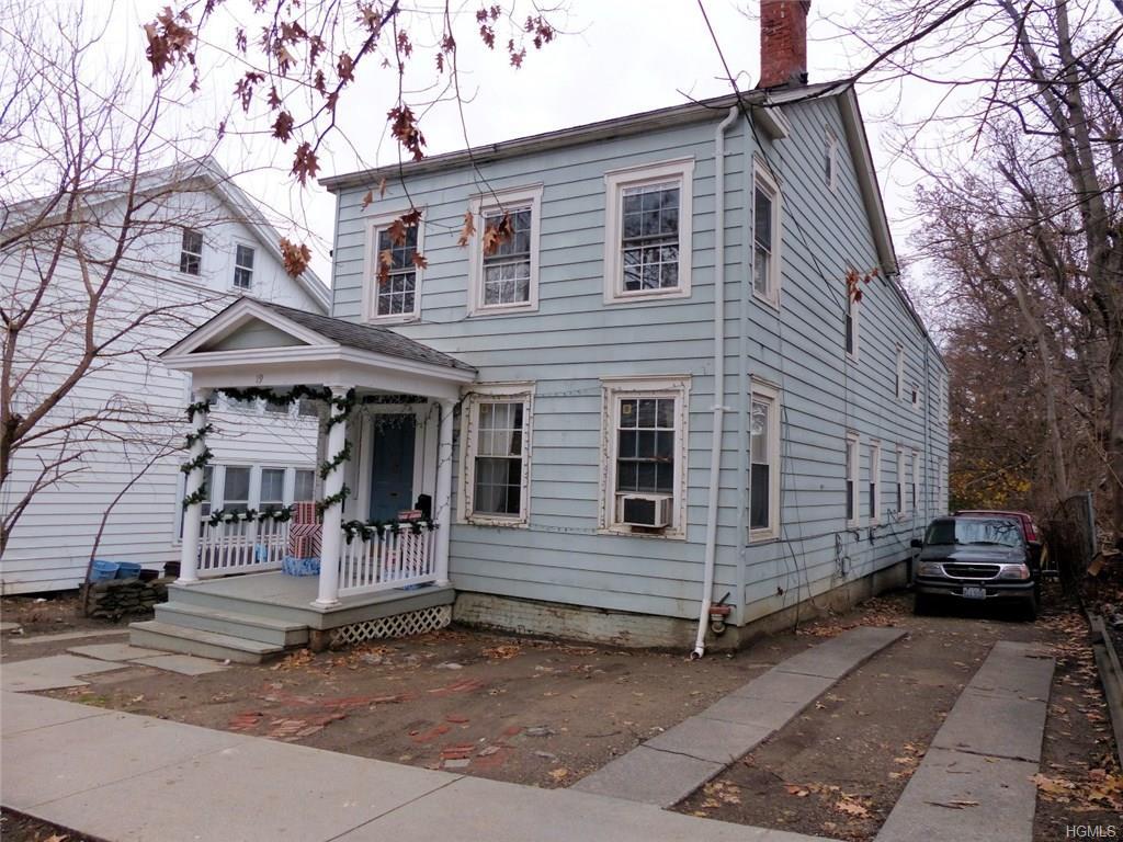 19 Barclay St, Poughkeepsie, NY 12601