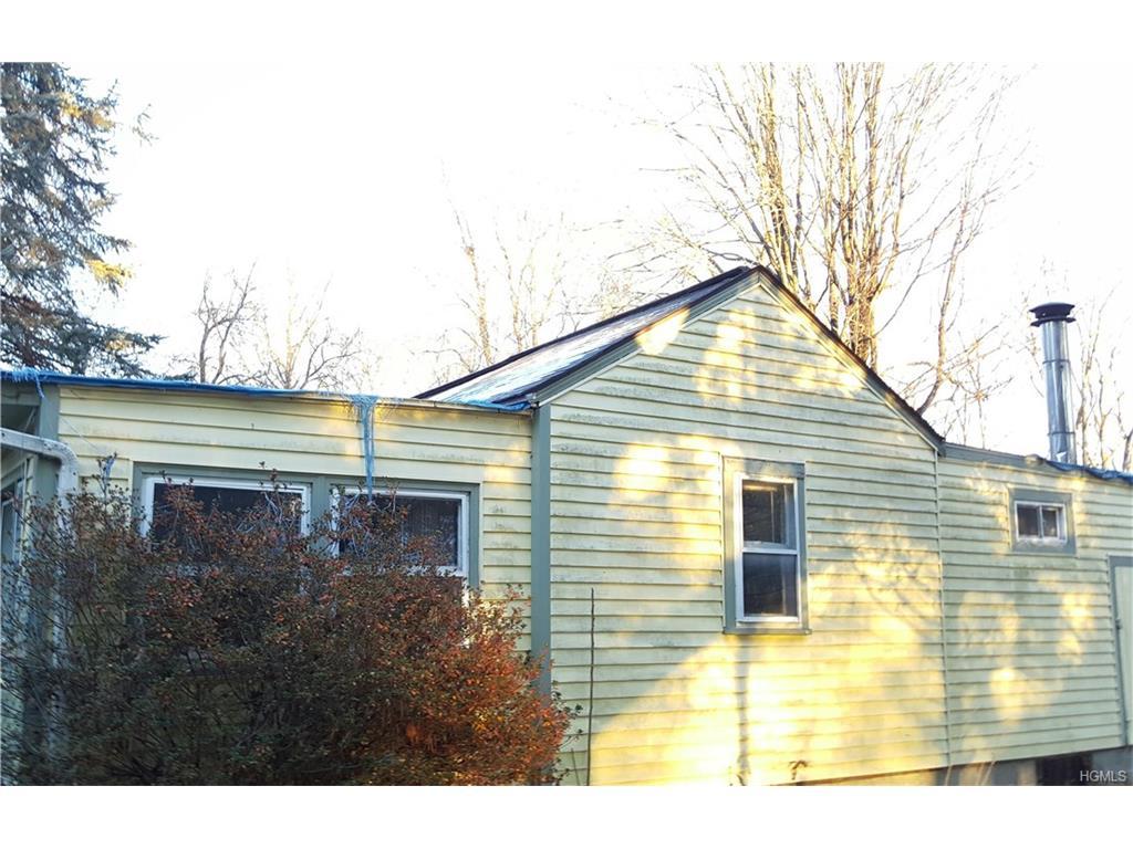202 Rutsonville Rd, Wallkill, NY 12589