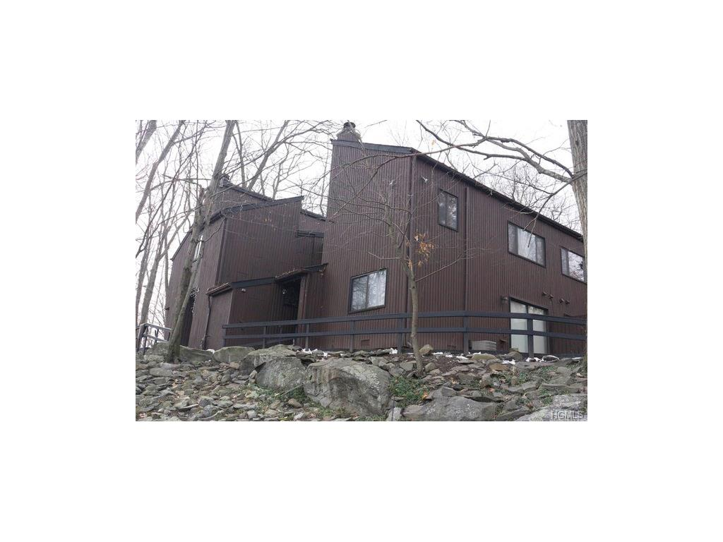 Photo of 4   Acorn Court  Highland Mills  NY