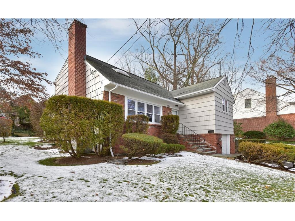 Photo of 204   Old Wilmot Road  Scarsdale  NY