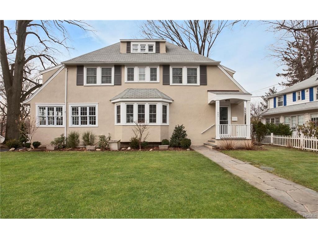 Photo of 439   Manor Ridge Road  Pelham  NY