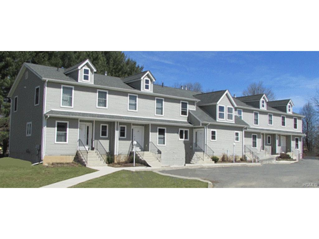 100 Boniface Dr, Pine Bush, NY 12566