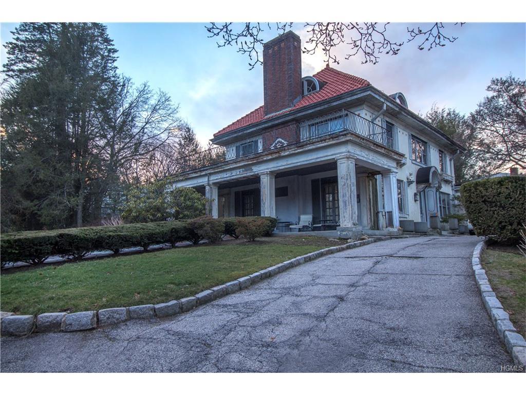 Photo of 374   Stratton Road  New Rochelle  NY