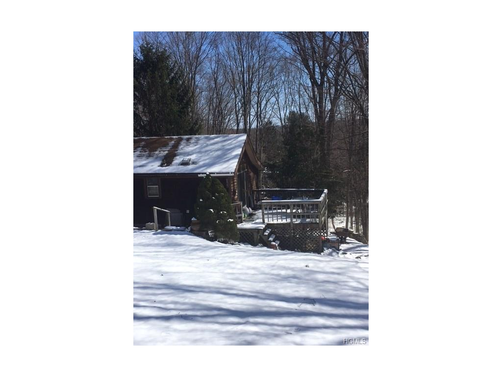 Photo of 5   Geranium Drive  Lincolndale  NY