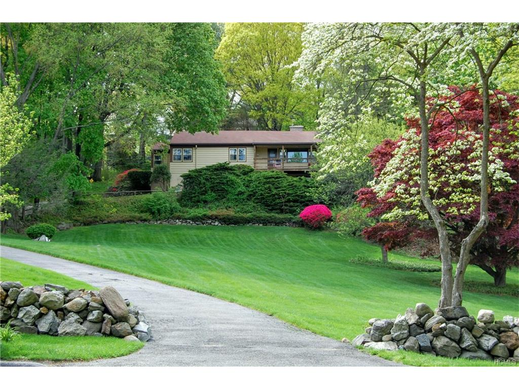 Photo of 92   Rolling Hills Road  Thornwood  NY