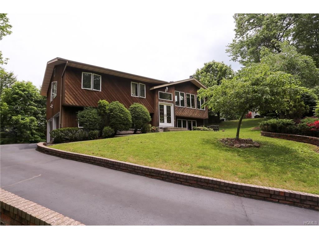 Photo of 6   Sabin Drive  Airmont  NY