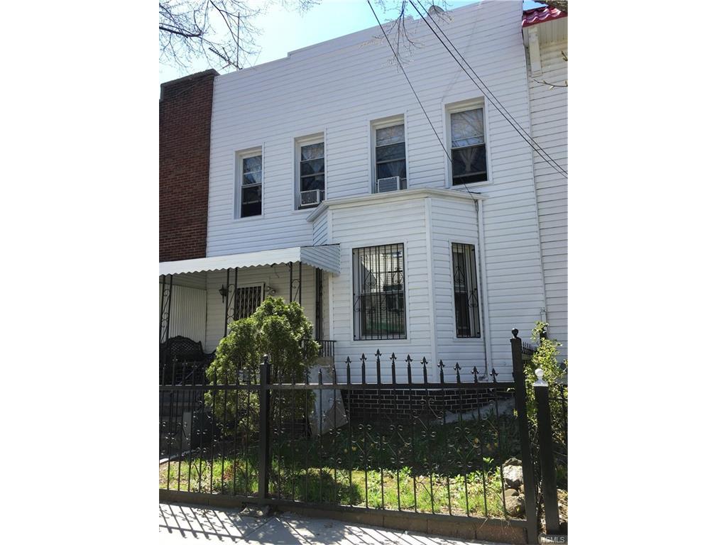 Photo of 2735   Holland Avenue  Bronx  NY