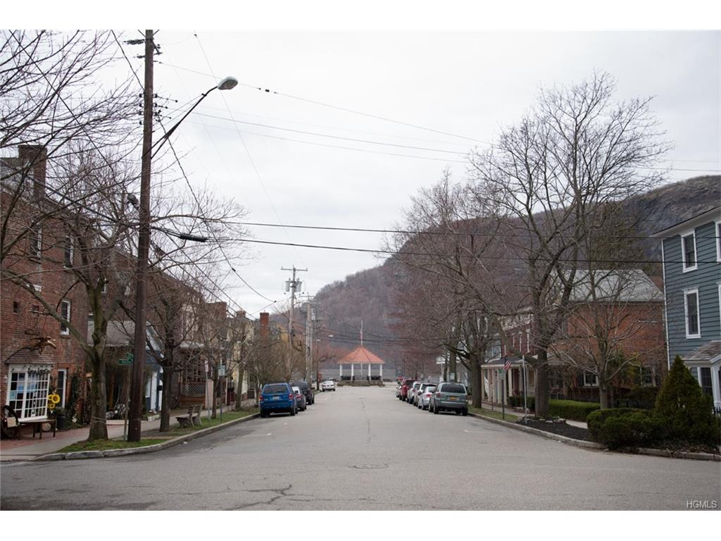 Photo of 17   Constitution Drive  Cold Spring  NY