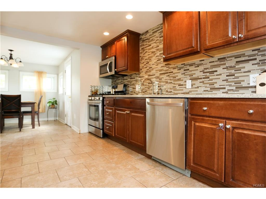 Photo of 2   Valley View Road  Stony Point  NY