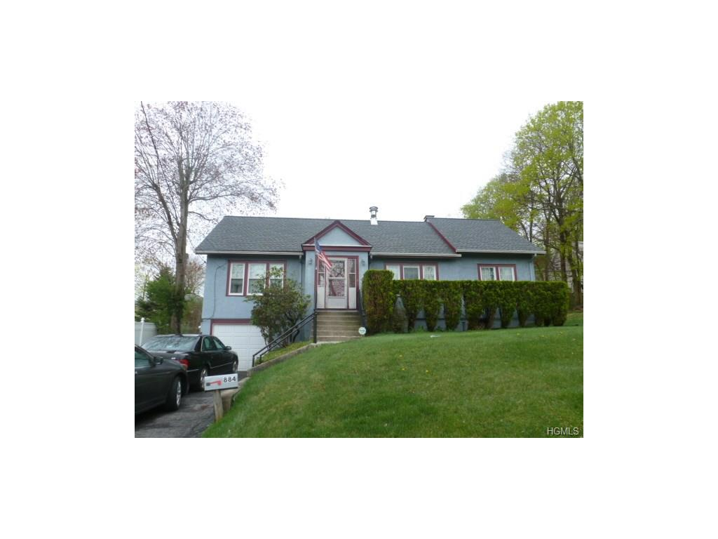 Photo of 884   Warren Avenue  Thornwood  NY