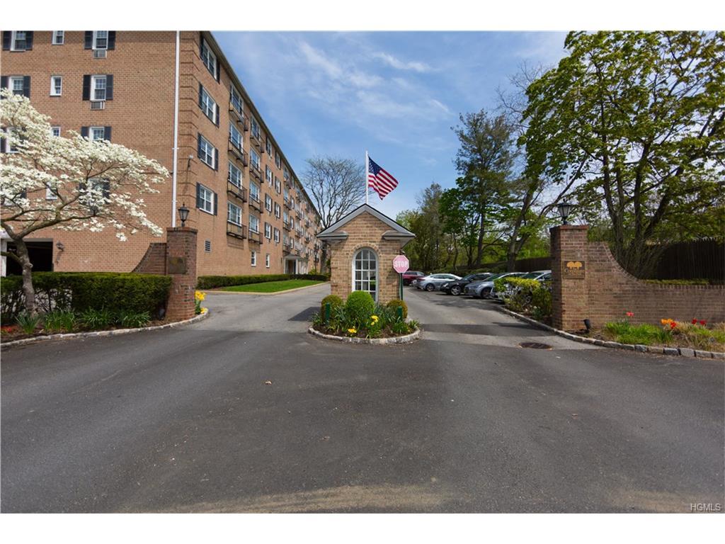 Photo of 1   Consulate Drive  Tuckahoe  NY