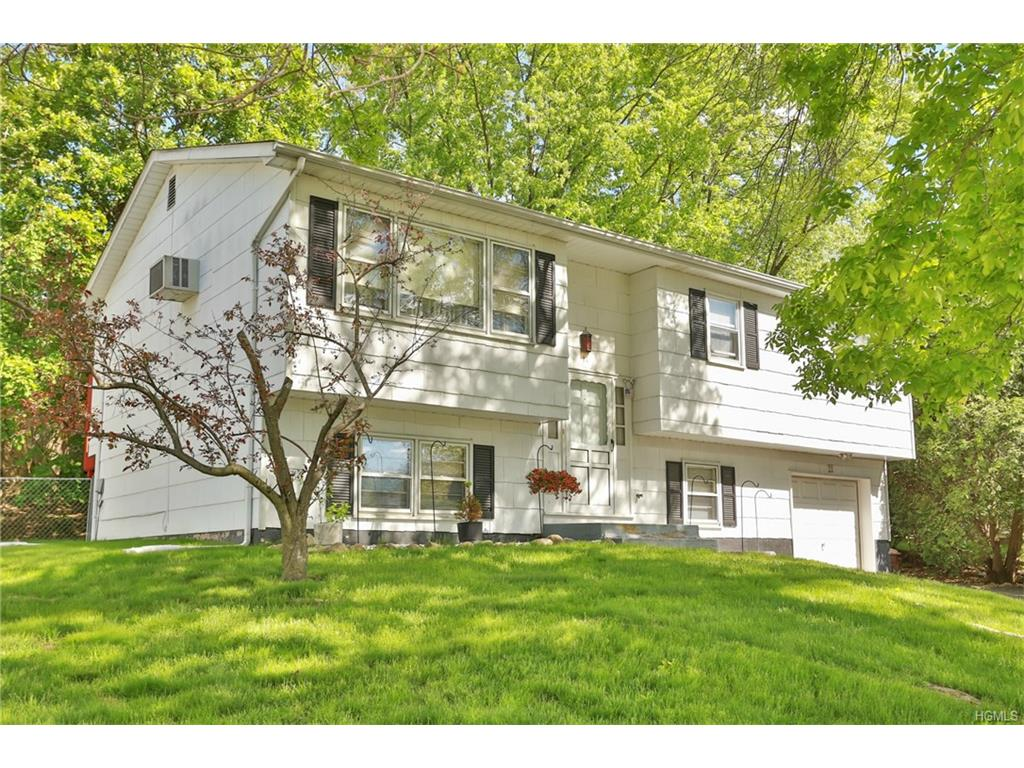 Photo of 11   Eakman Drive  Garnerville  NY