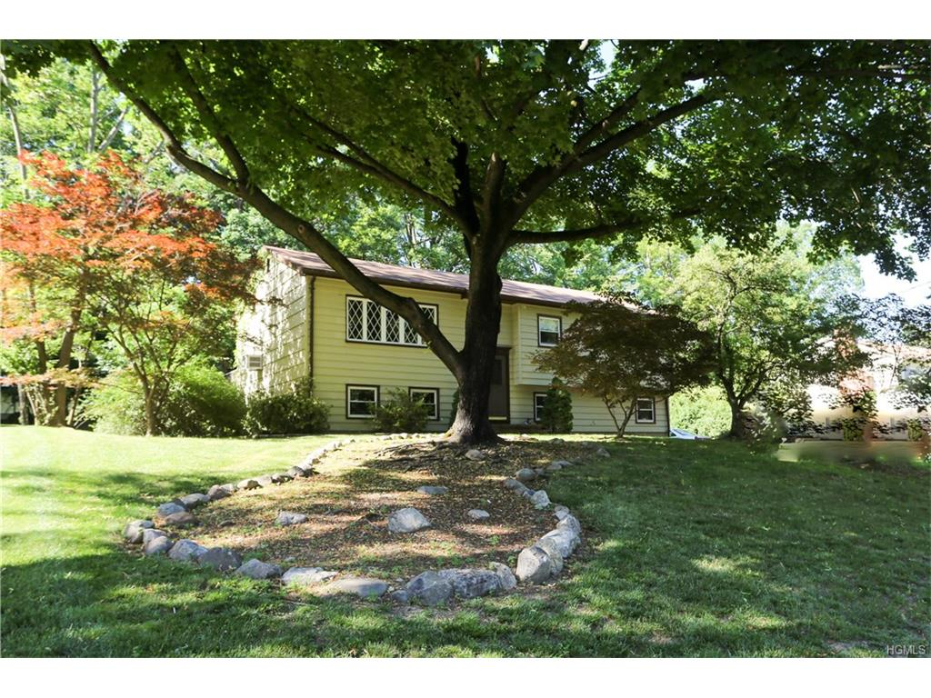 Photo of 575   Babbling Brook Lane  Valley Cottage  NY