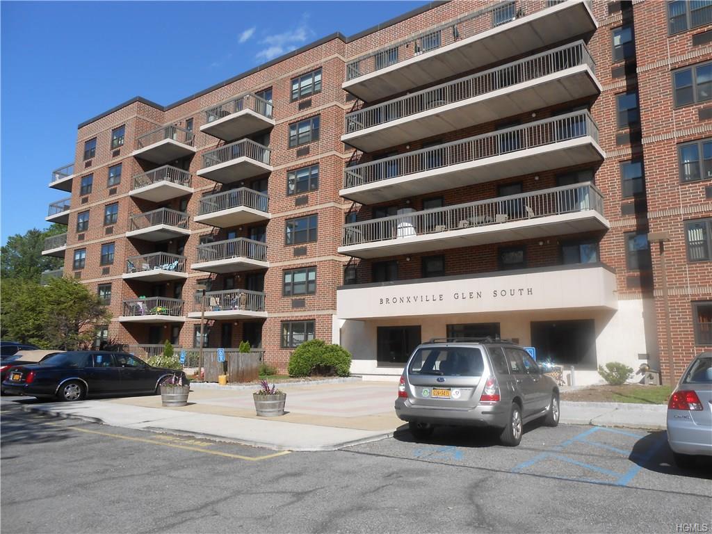 Photo of 1376   Midland Avenue  Bronxville  NY
