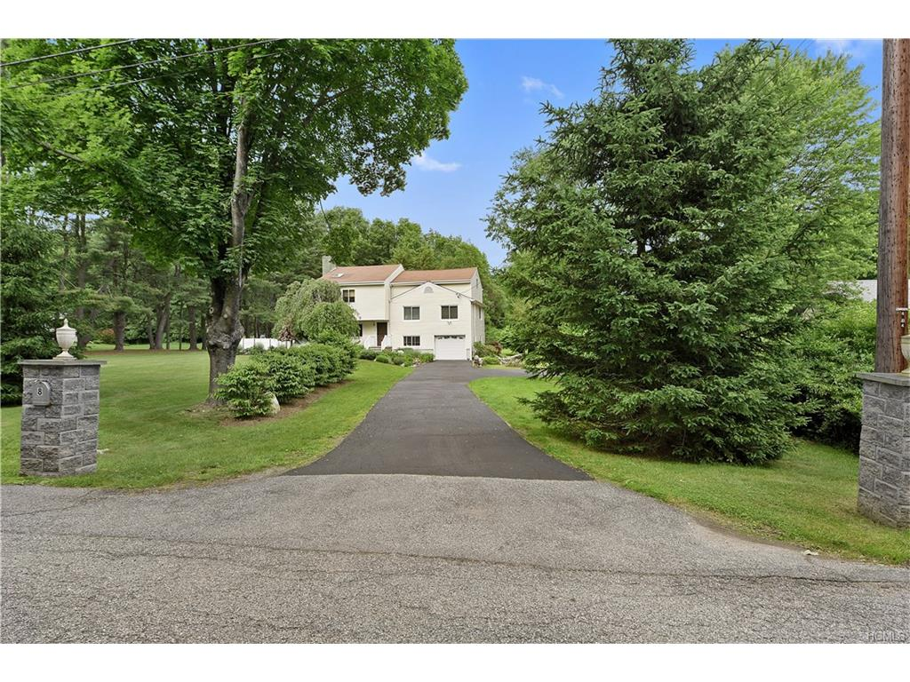 Photo of 8   Somerset Drive  Somers  NY