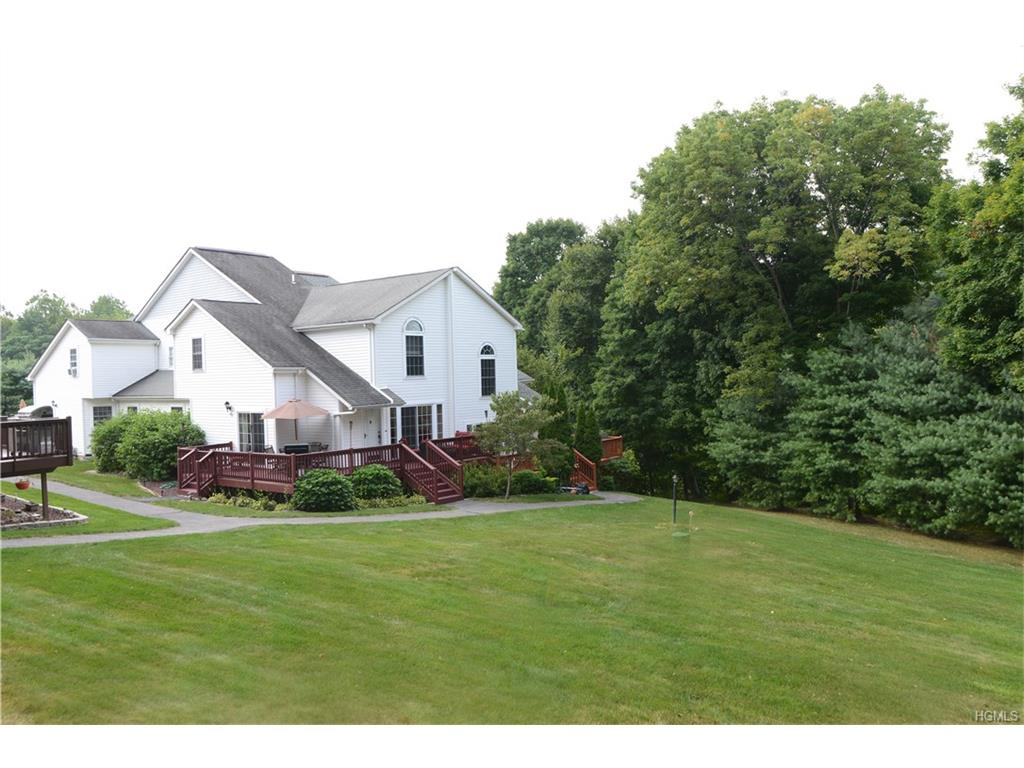 Photo of 44   Pembrooke Court  Putnam Valley  NY