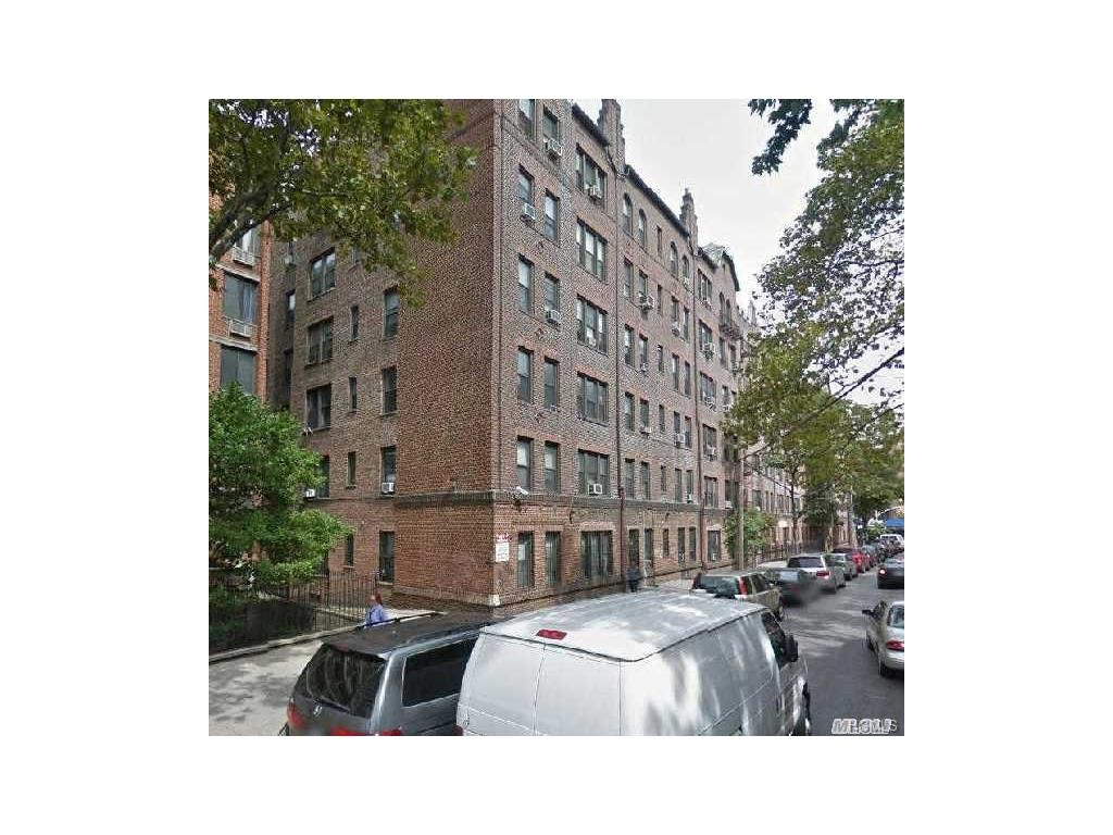 Photo of 42-20   KISSENA Boulevard  Flushing  NY