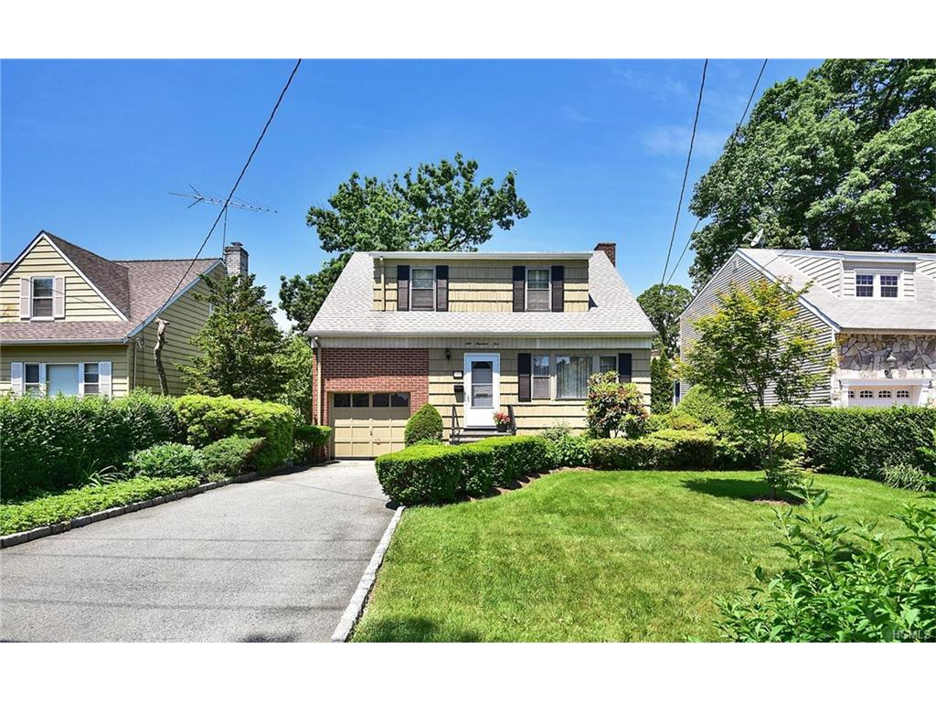 Photo of 105   Lyons Road  Scarsdale  NY