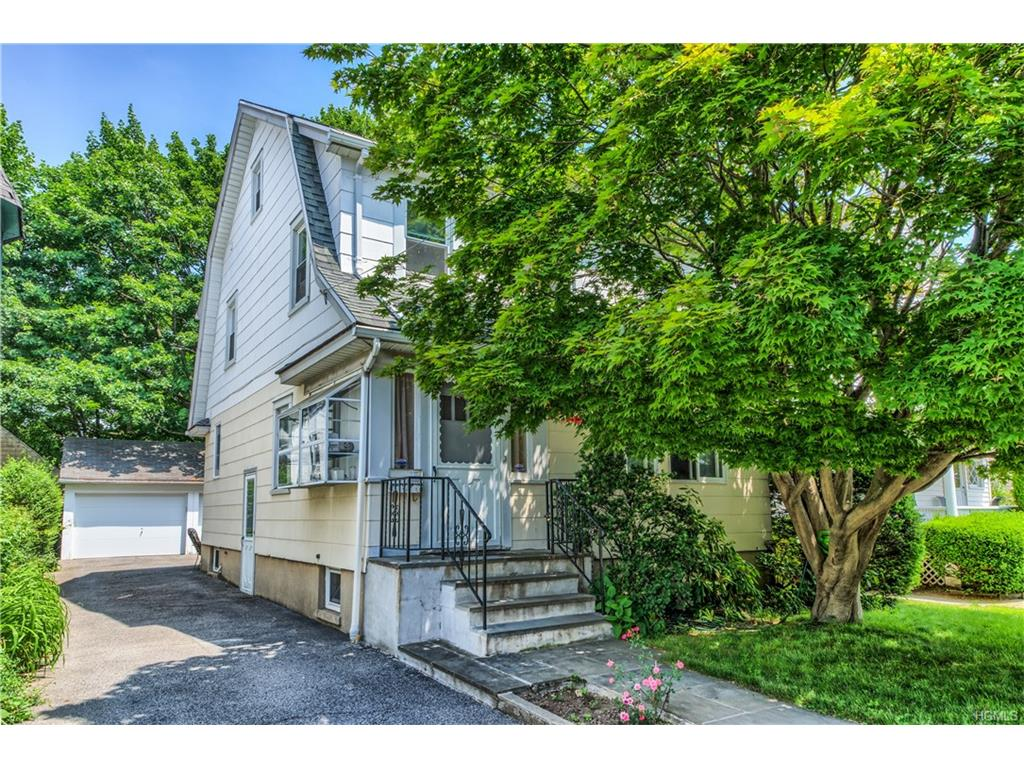 Photo of 31   Colonial Place  New Rochelle  NY