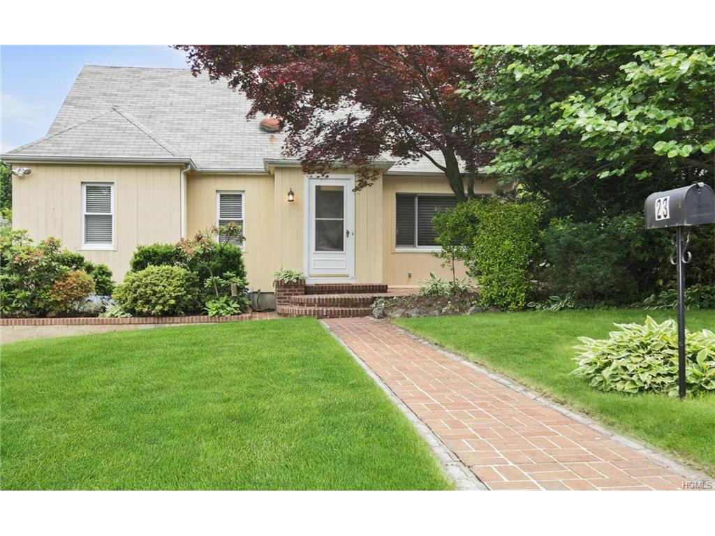 Photo of 23   Alden Road  Larchmont  NY