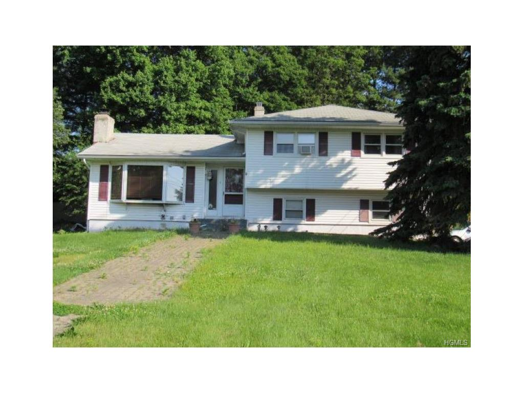 Photo of 7   Renfrewshire Drive  Middletown  NY