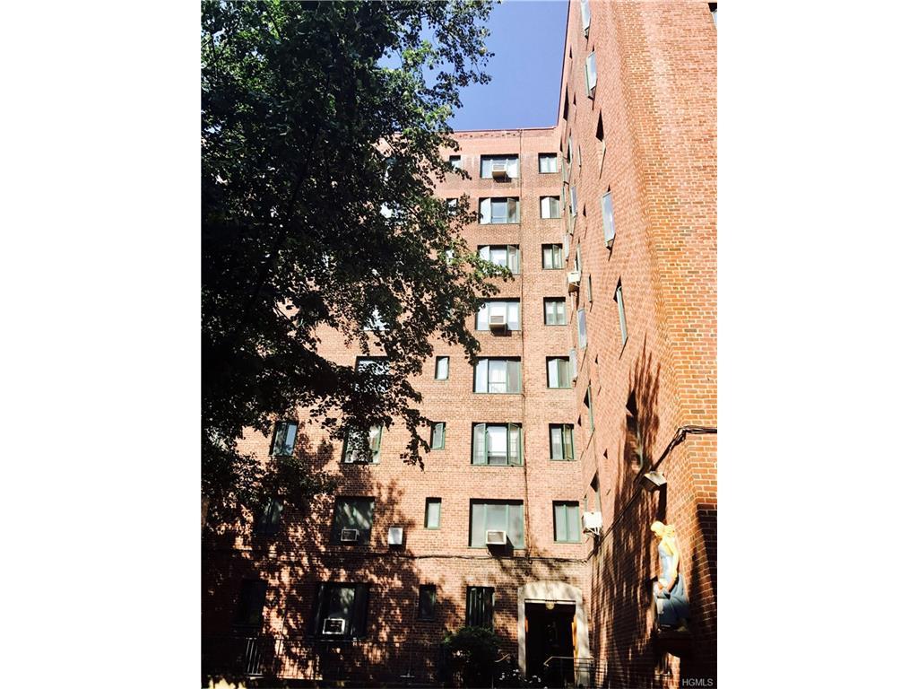 Photo of 1670   Metropolitan Avenue  Bronx  NY