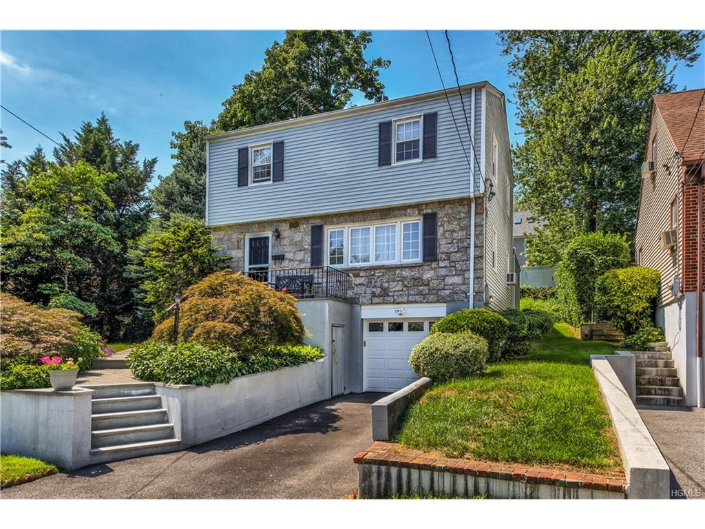 Photo of 52   Lawrence Place  New Rochelle  NY