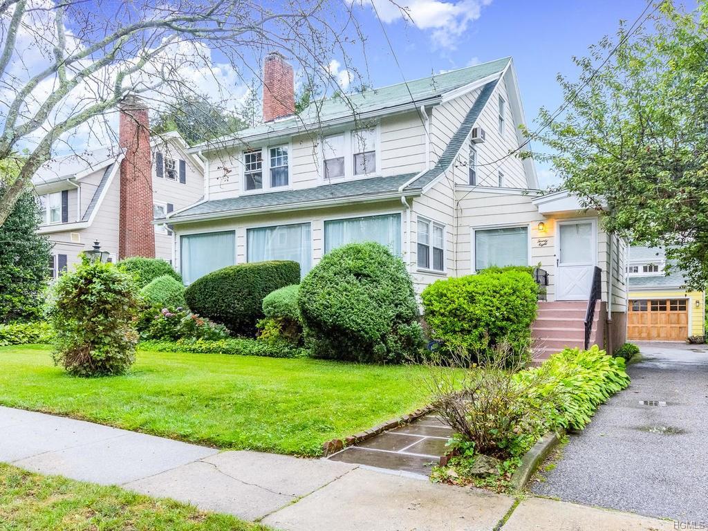 Photo of 28   Concord Avenue  Larchmont  NY