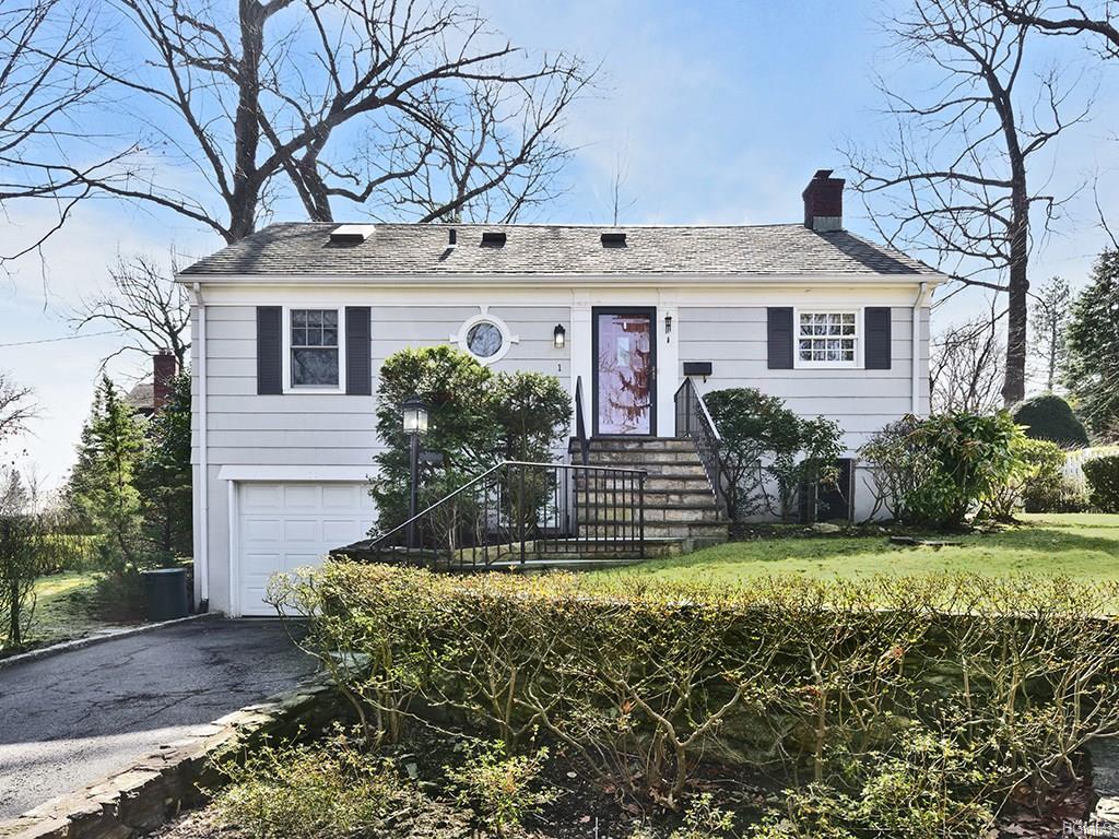 Photo of 1   Cottage Circle  Larchmont  NY