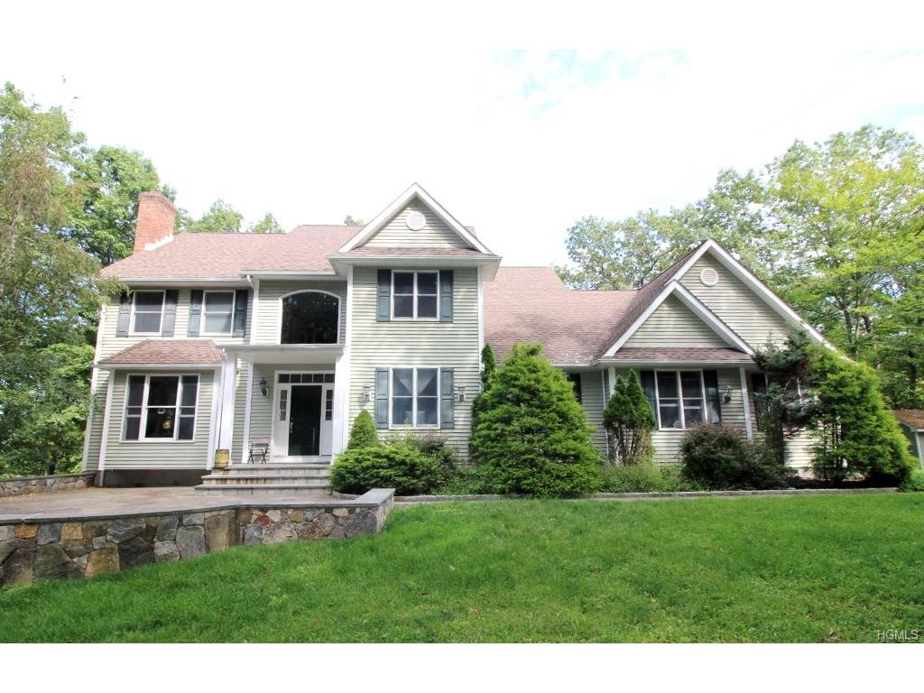 Colonial Homes For Sale In Mahopac Ny