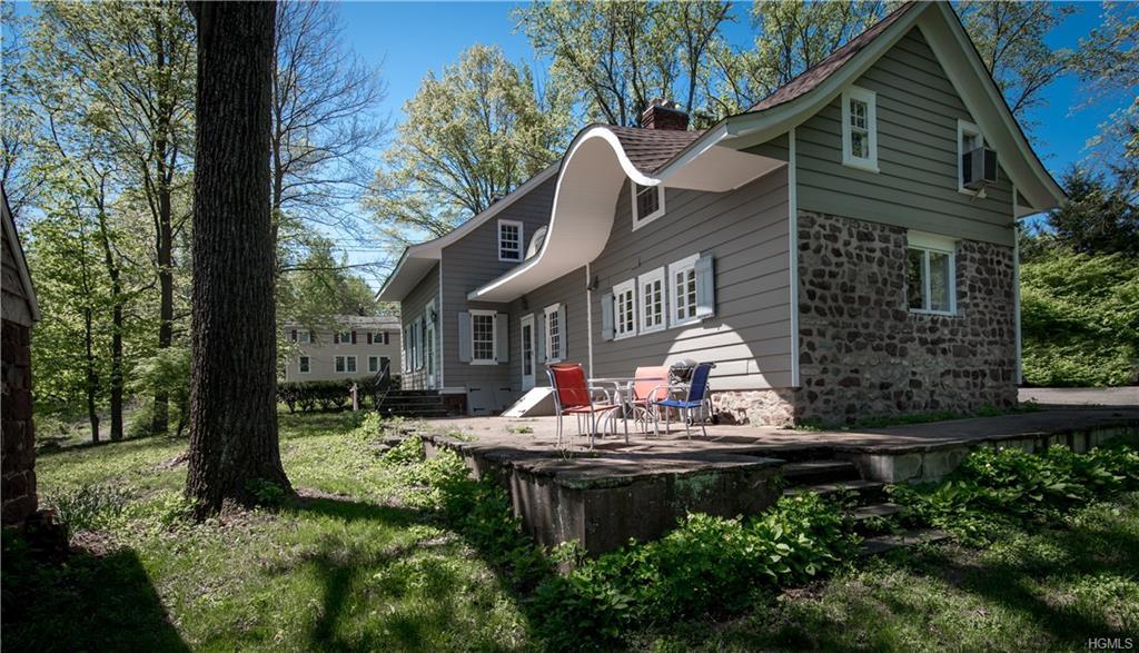 Colonial,Farm House, Single Family - Pearl River, NY (photo 4)